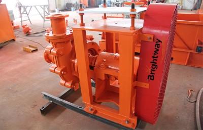 组装中的砂砾泵离心泵体